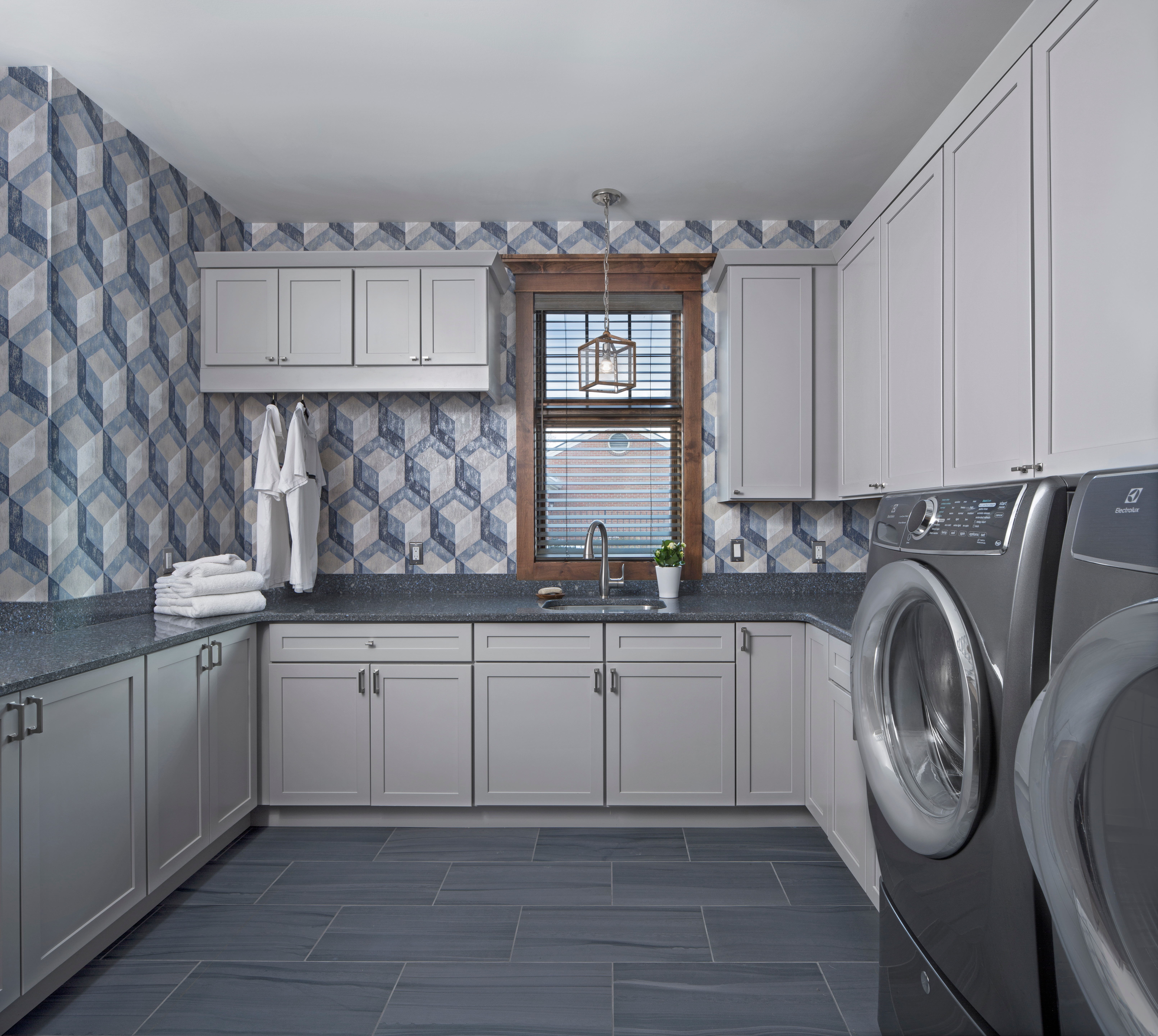 KSI_Transitional_Laundry Room-gray cabinets