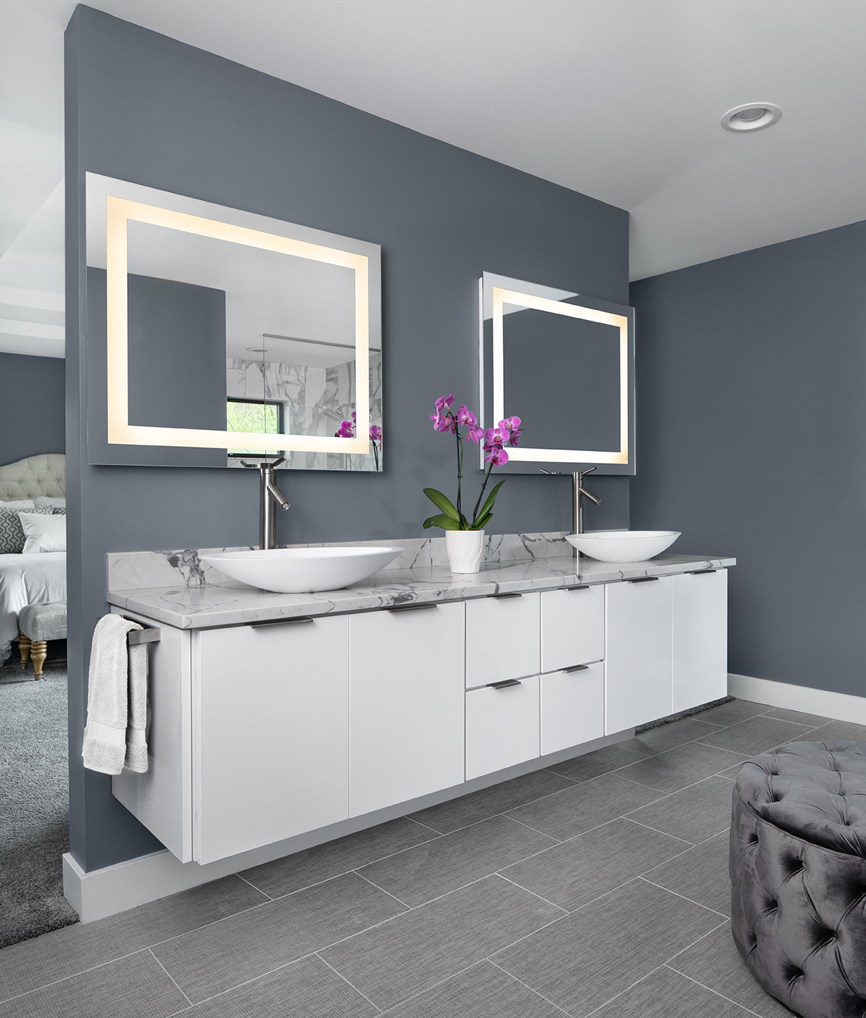KSI Kitchen and bath-Contemporary_masterbath-white cabinet